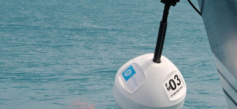bouée-zmel-porquerolles-image-photo-location-catamaran