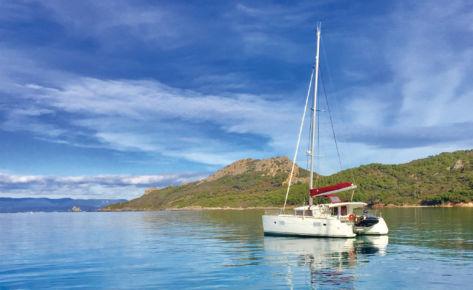 Catamaran Lagoon 400 «Maya»
