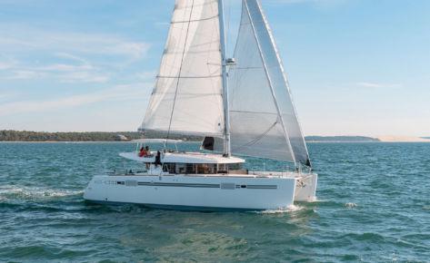 Catamaran Lagoon 450 s «Ptit Loup»